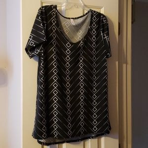 Lularoe Black and White design Classic T